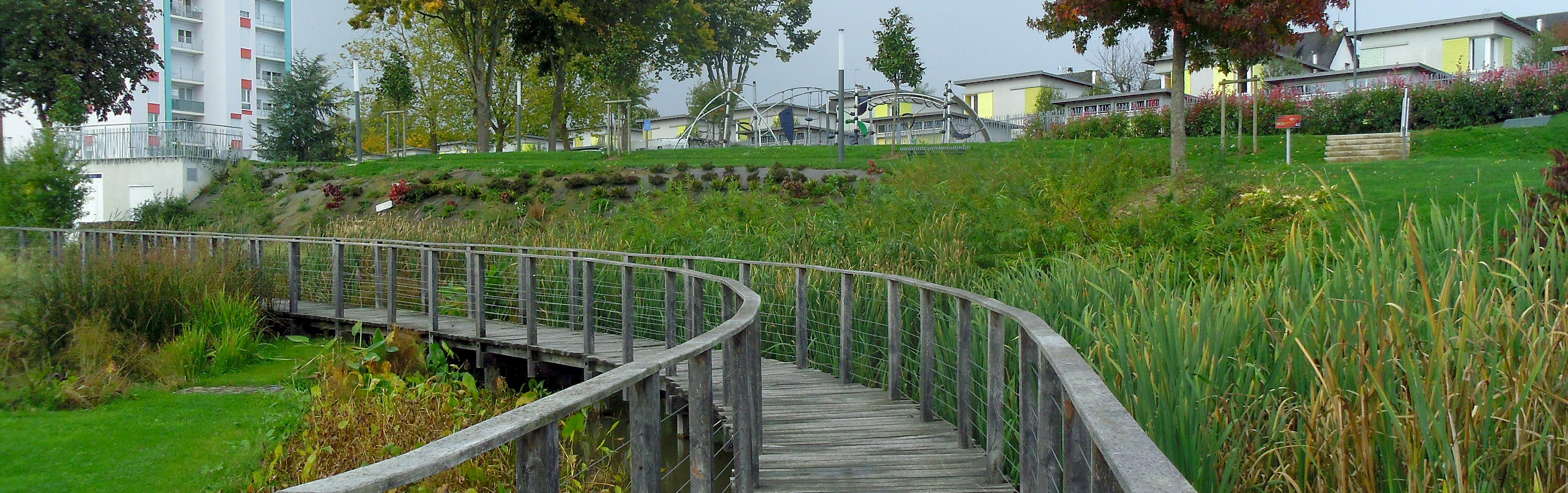 Passerelle du parc du Val St Jean à St Lô